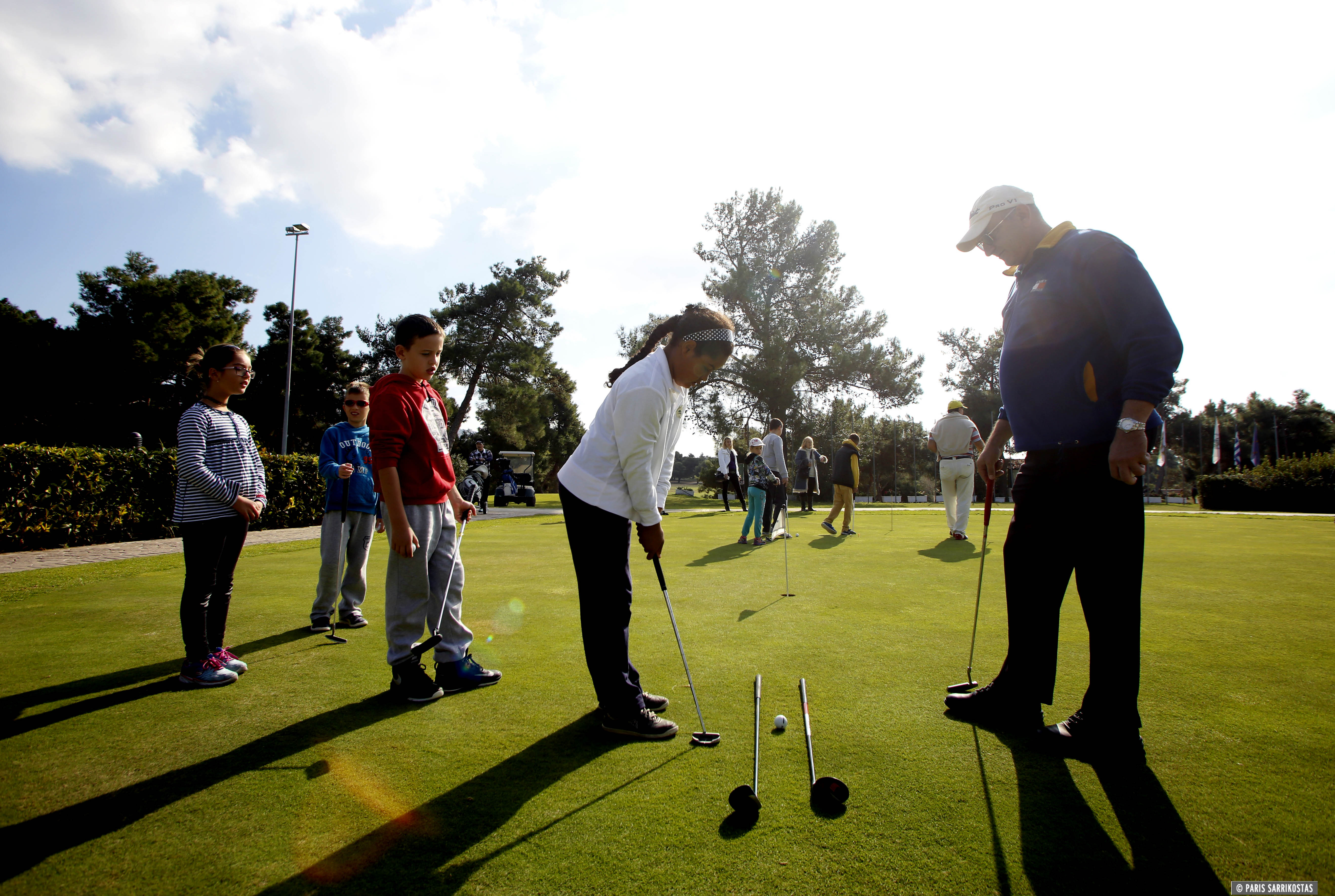 Δωρεάν μαθήματα εκμάθησης γκολφ σε παιδιά ηλικίας 8-17 ετών προσφέρει η  Ακαδημία Γκολφ Γλυφάδας. Τα επίσημα εγκαίνια του προγράμματος  πραγματοποιήθηκαν ... d43ee2c4914